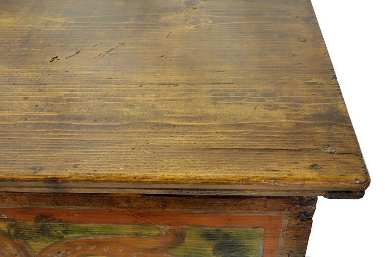 18th Century Antique Italian Cassina Marchigiana Hand Painted Nuptial Chest For Sale 9