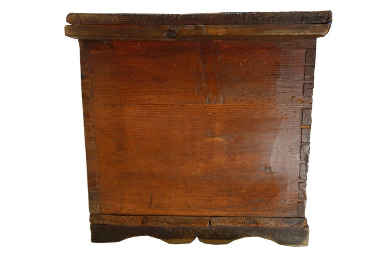 18th Century Antique Italian Cassina Marchigiana Hand Painted Nuptial Chest For Sale 1