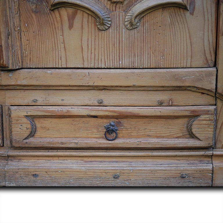 Mid-18th Century Carved Wardrobe For Sale 2