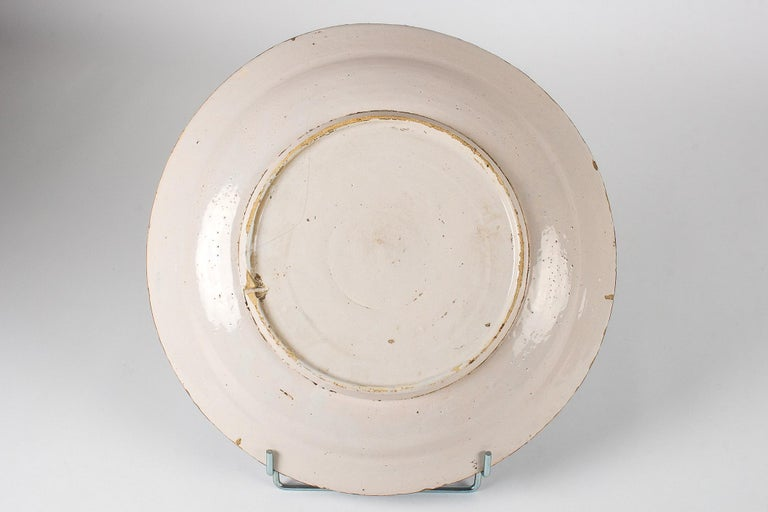 Hand-Painted Mid-18th Century, Delft Faience Round Dish, circa 1750 For Sale