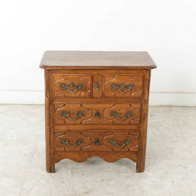 Hand-Carved Mid-18th Century French Louis XIV Period Hand Carved Chestnut Commode or Chest For Sale