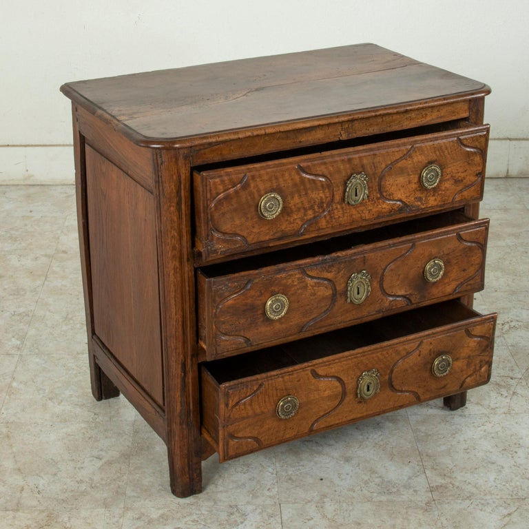 Mid-18th Century French Louis XIV Period Walnut Commode, Chest, Nightstand For Sale 6