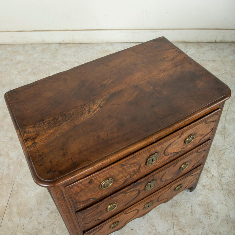 Mid-18th Century French Louis XIV Period Walnut Commode, Chest, Nightstand For Sale 2