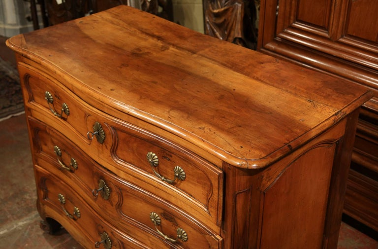 Hand-Carved Mid-18th Century French Louis XV Carved Walnut Chest of Drawers from Burgundy For Sale
