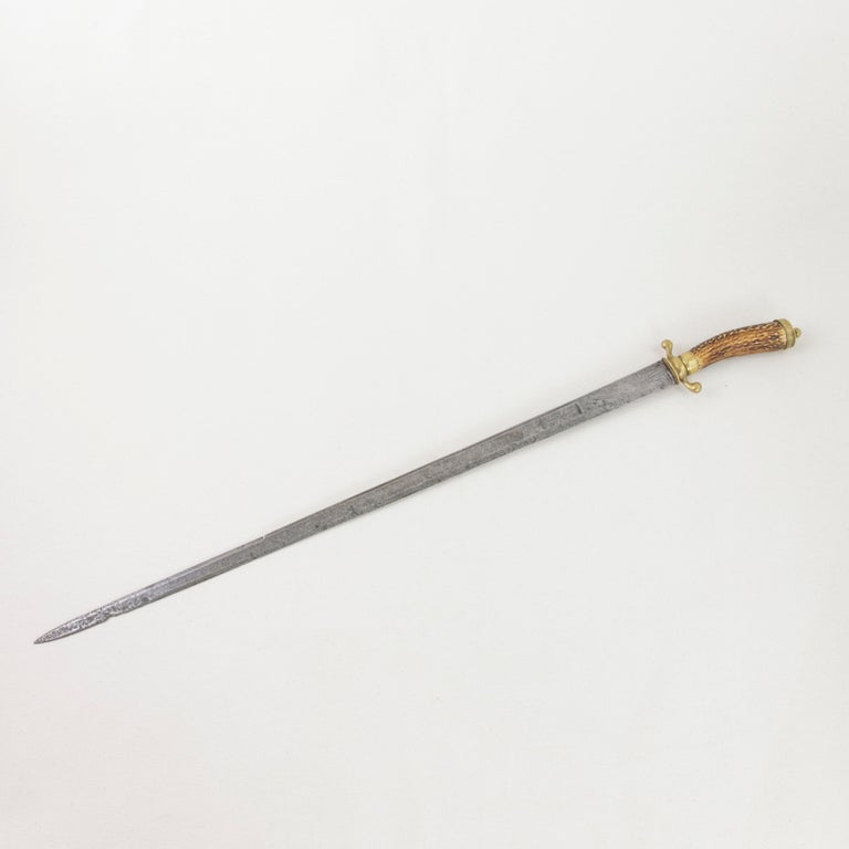 Steel Mid-18th Century French Louis XV Period Engraved Hunting Short Sword with Horn For Sale