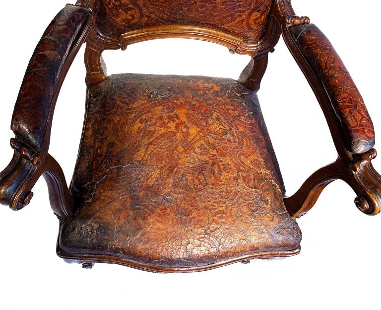 Mid-18th Century Italian Pair of Armchairs with Leather Covers, Milan circa 1750 For Sale 7