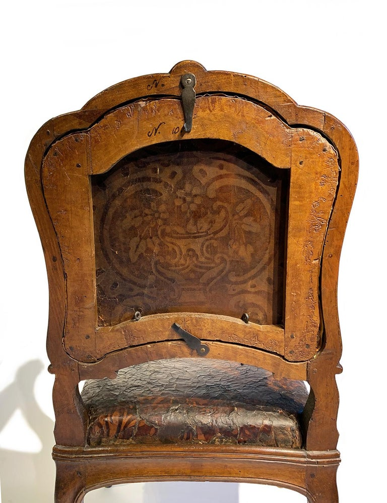Mid-18th Century Italian Pair of Armchairs with Leather Covers, Milan circa 1750 For Sale 12