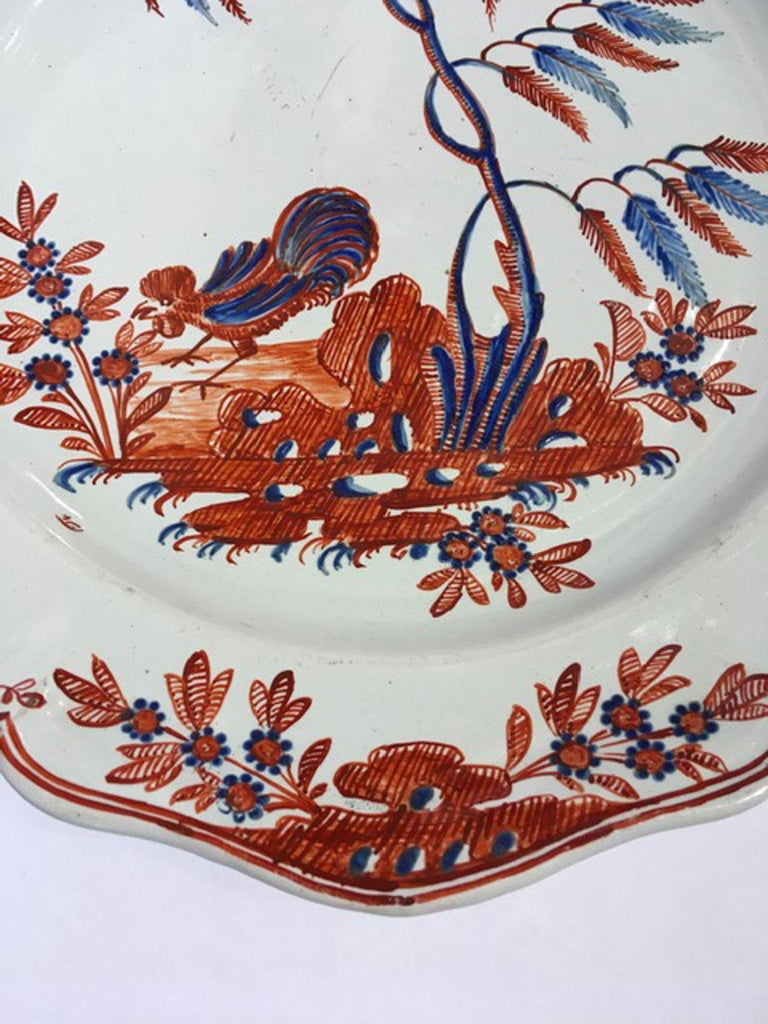 Mid-18th Century Richard Ginori Doccia Porcelain Dish with Red Cock In Good Condition For Sale In Brescia, IT