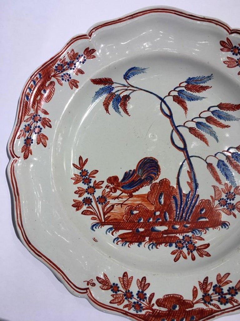 Mid-18th Century Richard Ginori Doccia Porcelain Dish with Red Cock For Sale 2