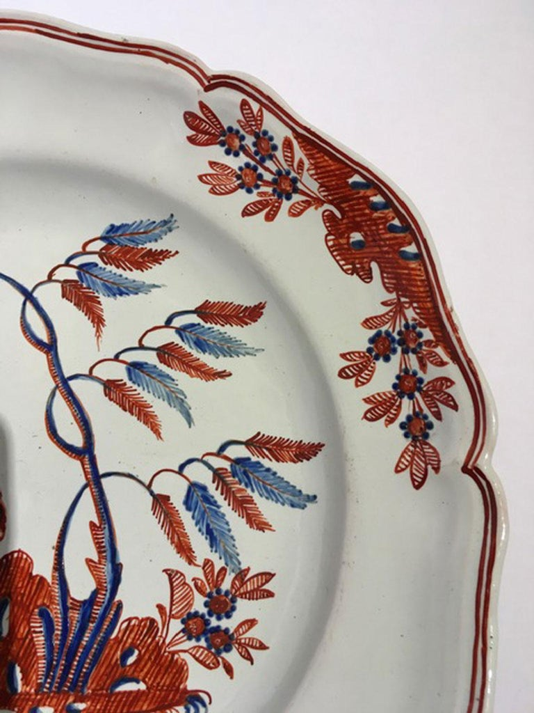 Mid-18th Century Richard Ginori Doccia Porcelain Dish with Red Cock For Sale 3