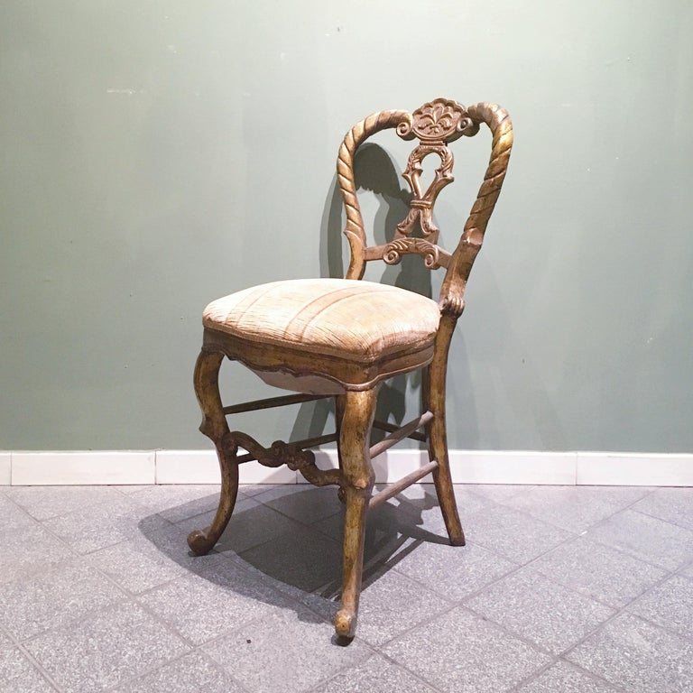 Mid-18th Century Set of Four Italian Upholstered Giltwood Chairs For Sale 3