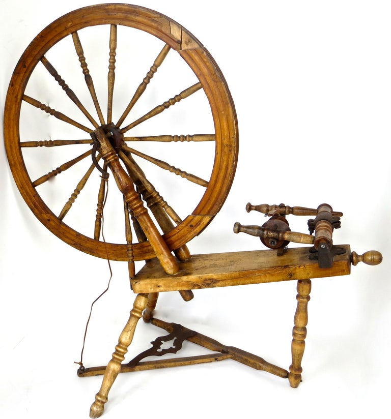 Mid-19th Century American Spinning Wheel For Sale 5