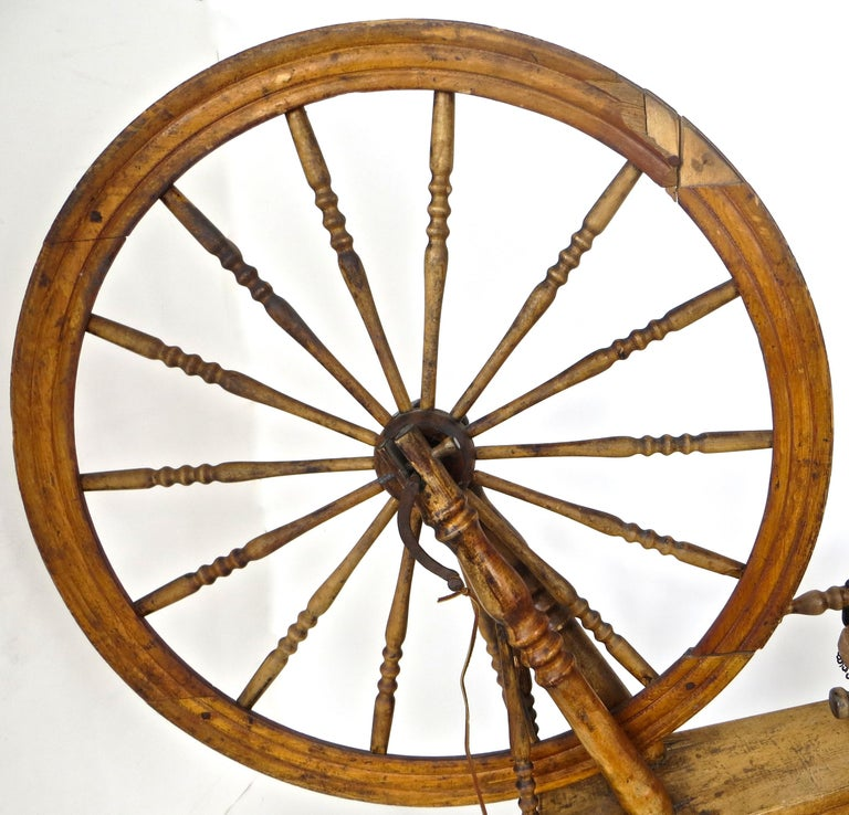 Mid-19th Century American Spinning Wheel For Sale 1