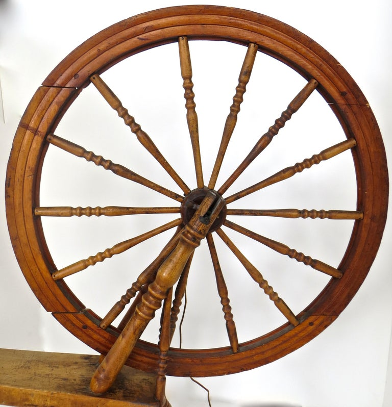 Mid-19th Century American Spinning Wheel For Sale 2