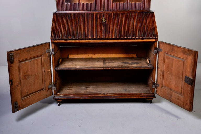 Mid-19th Century English Reeded Secretary Cabinet For Sale 1