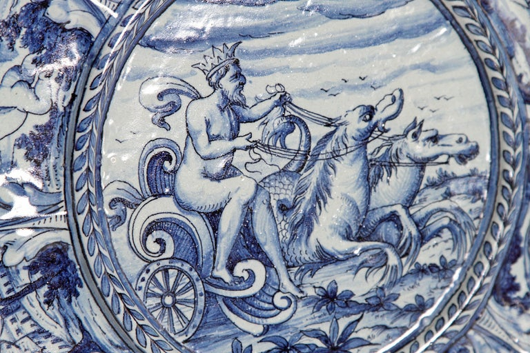 Mid-19th Century Blue and White Delft Italian Charger For Sale 4