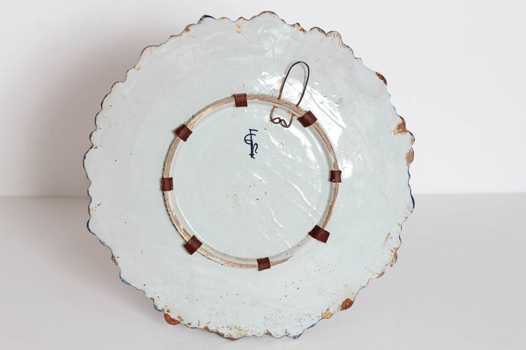Mid-19th Century Blue and White Delft Italian Charger For Sale 5