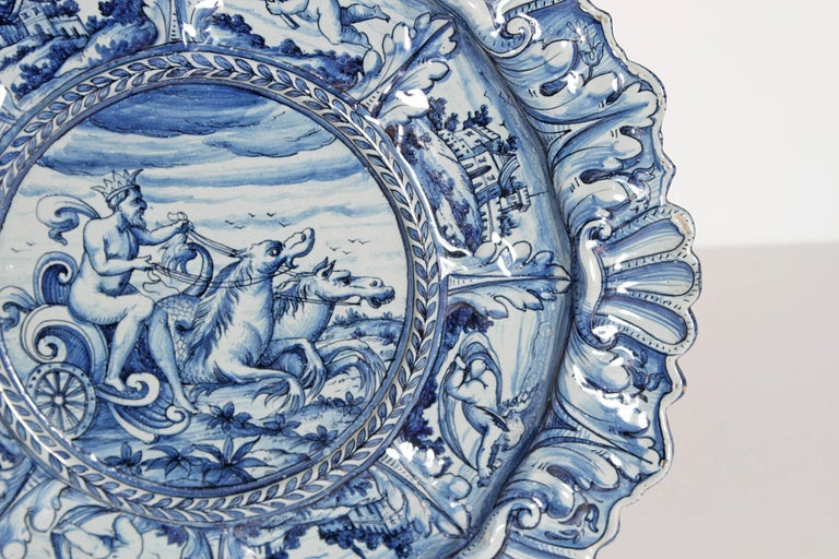 Mid-19th Century Blue and White Delft Italian Charger In Good Condition For Sale In Dallas, TX