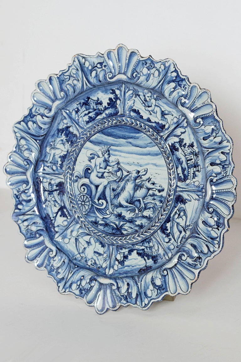 Mid-19th Century Blue and White Delft Italian Charger For Sale 2