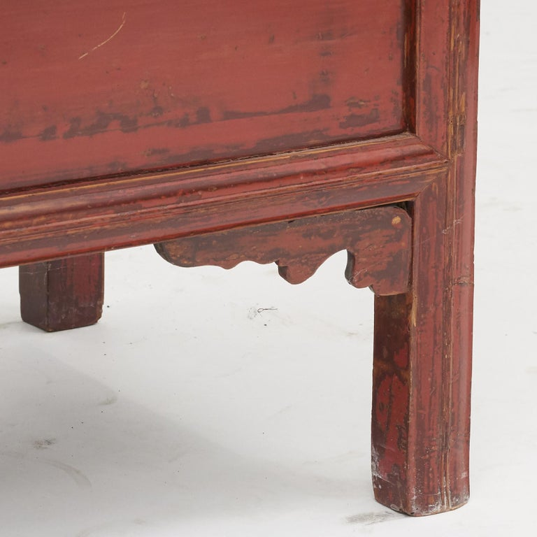 Mid-19th Century Chinese Red Lacquered Wedding Cabinet For Sale 5