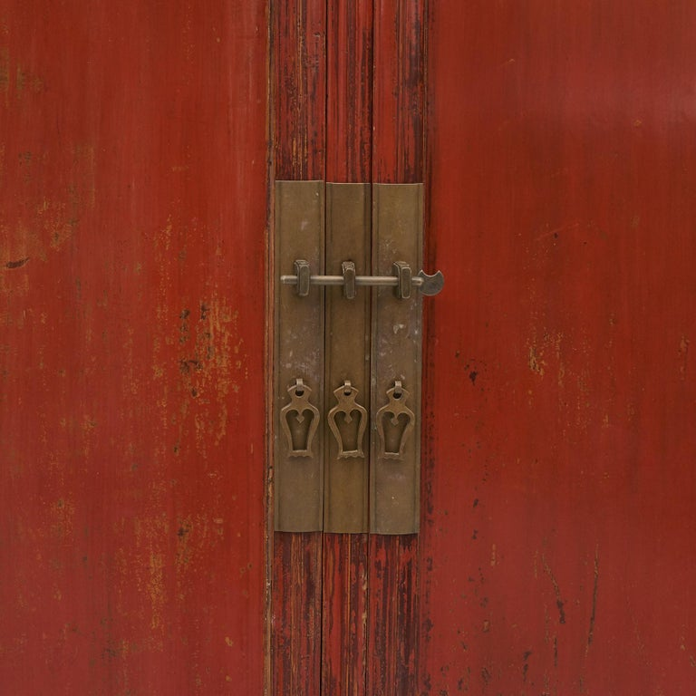 Mid-19th Century Chinese Red Lacquered Wedding Cabinet For Sale 7