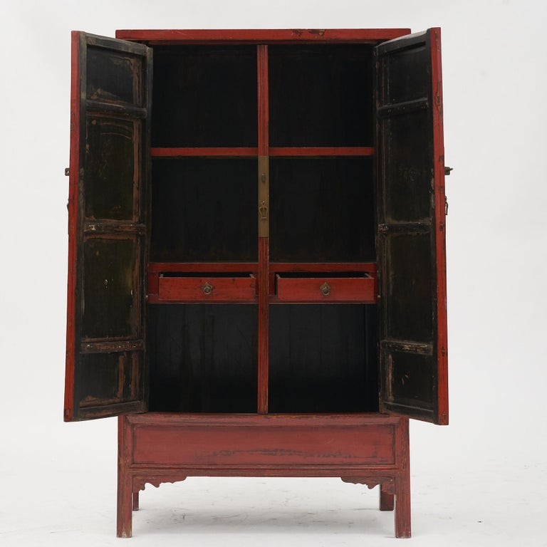 Qing Mid-19th Century Chinese Red Lacquered Wedding Cabinet For Sale