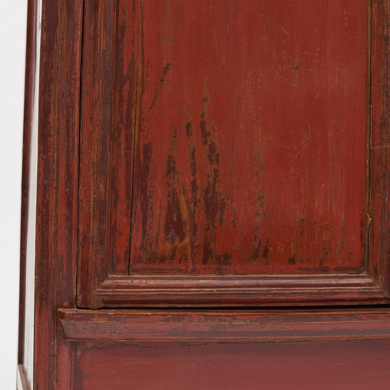 Mid-19th Century Chinese Red Lacquered Wedding Cabinet For Sale 3
