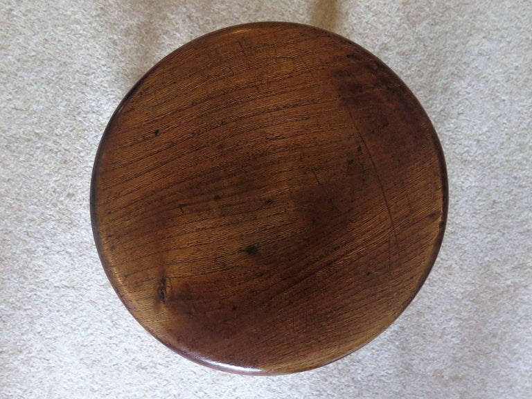 Mid-19th Century Elm Stool or Stand North East Yorkshire English Maker For Sale 10