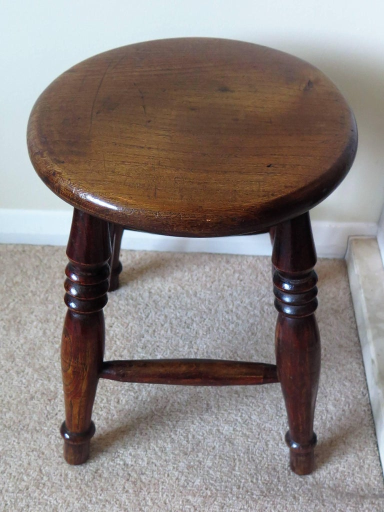 Mid-19th Century Elm Stool or Stand North East Yorkshire English Maker For Sale 3