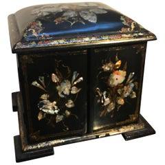 Mid-19th Century English Inlaid Papier Mâché Jewelry Case