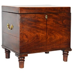 Mid-19th Century English Regency Style Mahogany Wine Cellarette