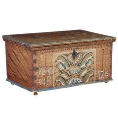 Mid-19th Century Folk Art Dalarna Region Decorative Box