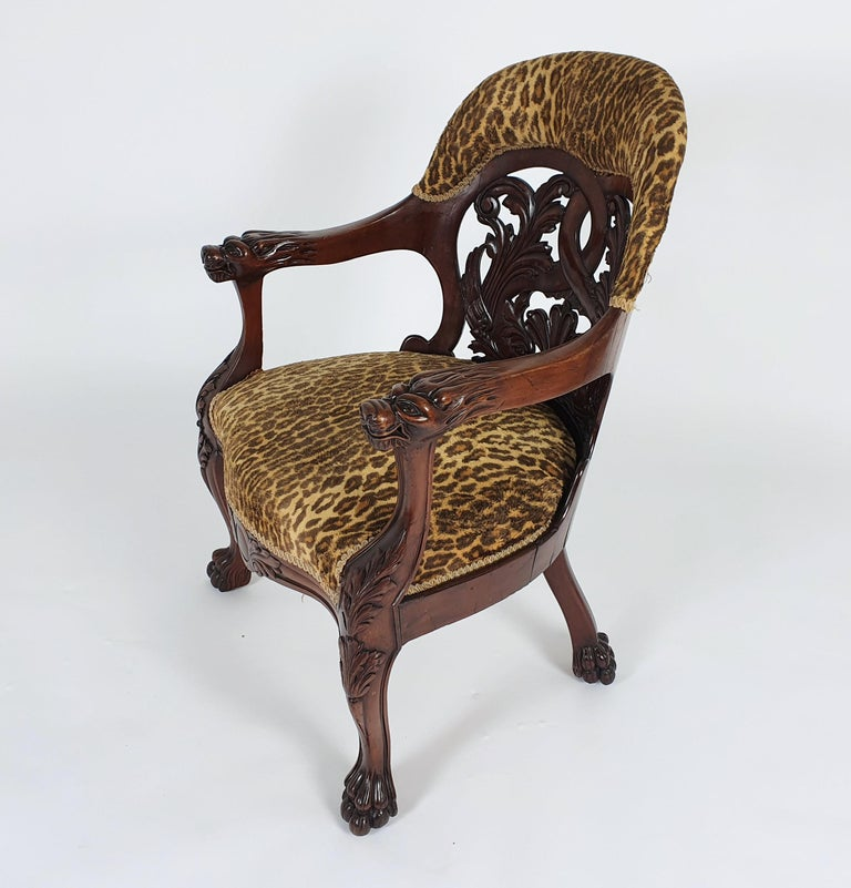 Mid-19th Century French Carved Walnut Desk Chair For Sale 6