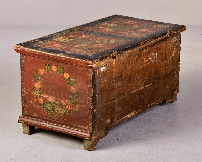 Mid 19th Century Hand Painted Romanian Painted Trunk For Sale 5