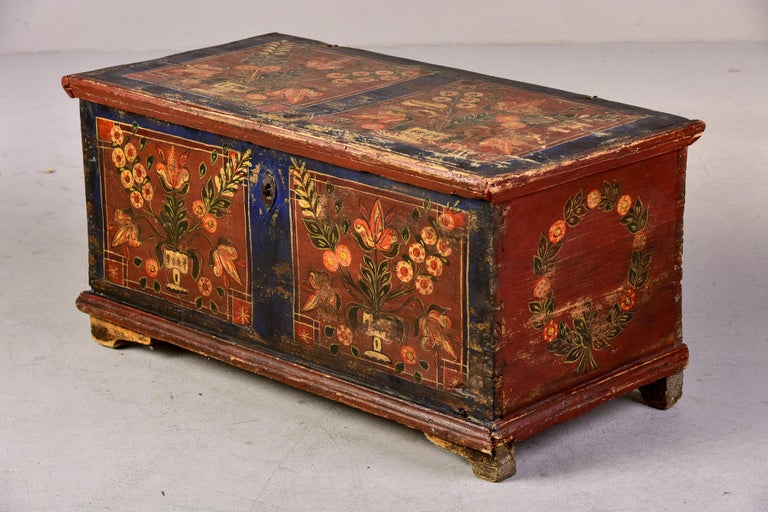 Mid 19th Century Hand Painted Romanian Painted Trunk For Sale 7