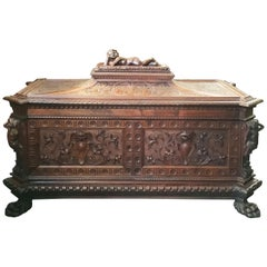 Mid-19th Century Italian Renaissance Revival Carved Walnut Chest