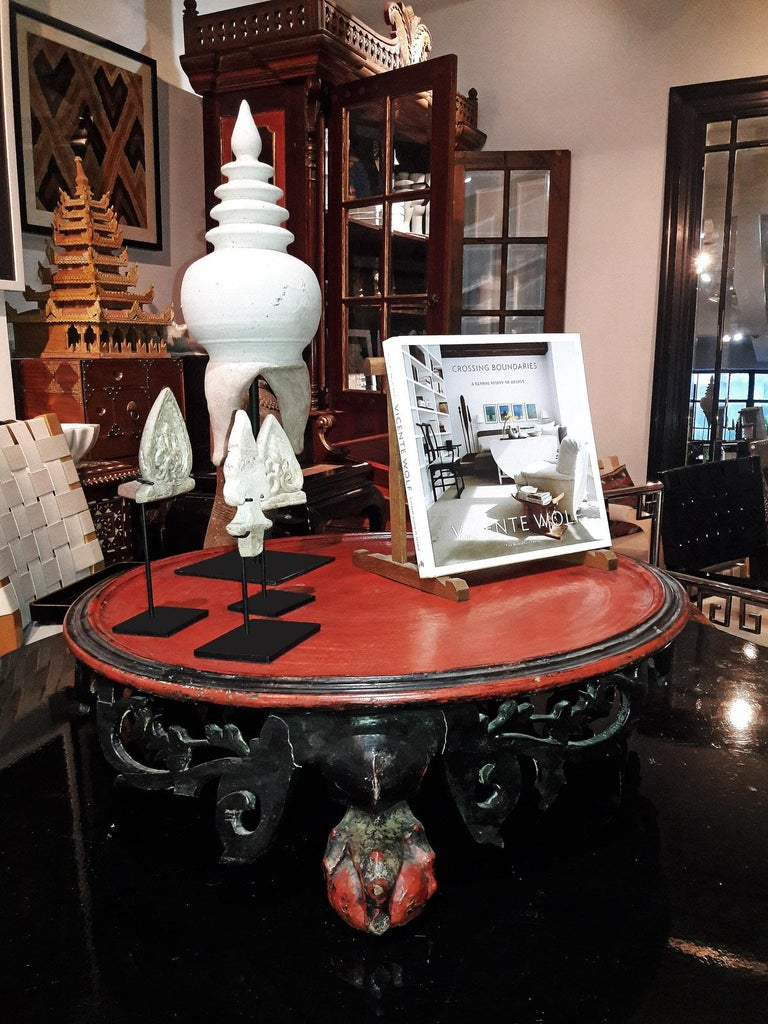 Mid-19th Century Lacquered Tray Table from Thailand For Sale 4