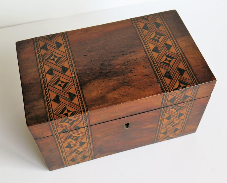 Mid-19th Century Lidded Box Walnut with Parquetry Mosaic Inlay, Mid Victorian For Sale 4