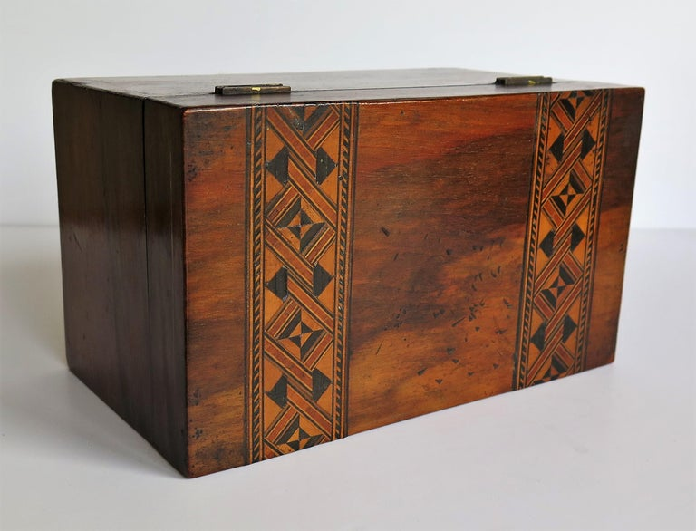 Mid-19th Century Lidded Box Walnut with Parquetry Mosaic Inlay, Mid Victorian For Sale 6