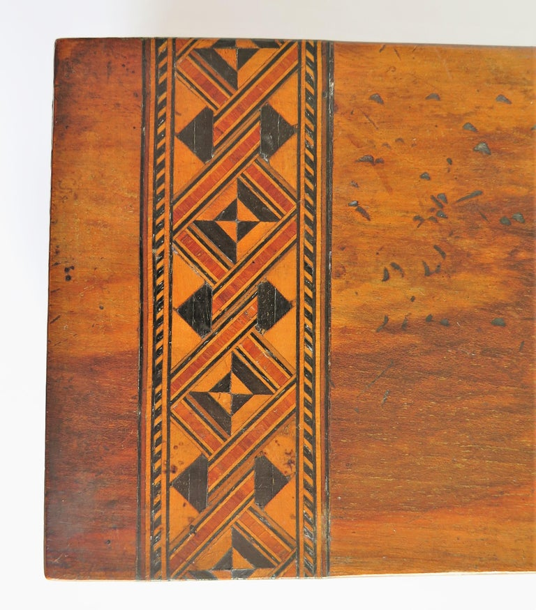 Mid-19th Century Lidded Box Walnut with Parquetry Mosaic Inlay, Mid Victorian For Sale 7