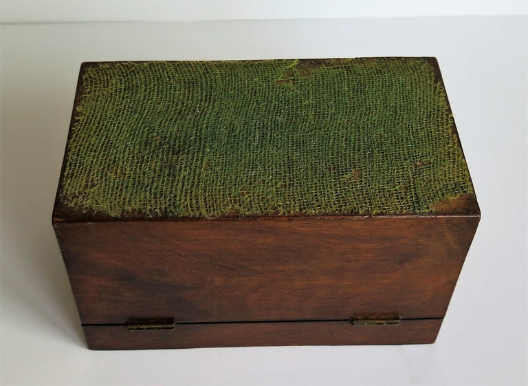 Mid-19th Century Lidded Box Walnut with Parquetry Mosaic Inlay, Mid Victorian For Sale 14
