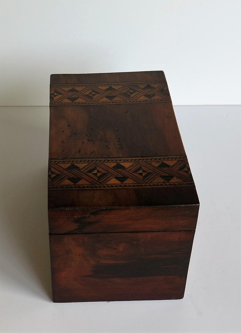 Mid-19th Century Lidded Box Walnut with Parquetry Mosaic Inlay, Mid Victorian In Good Condition For Sale In Lincoln, Lincolnshire