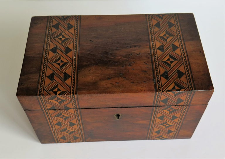 Mid-19th Century Lidded Box Walnut with Parquetry Mosaic Inlay, Mid Victorian For Sale 2