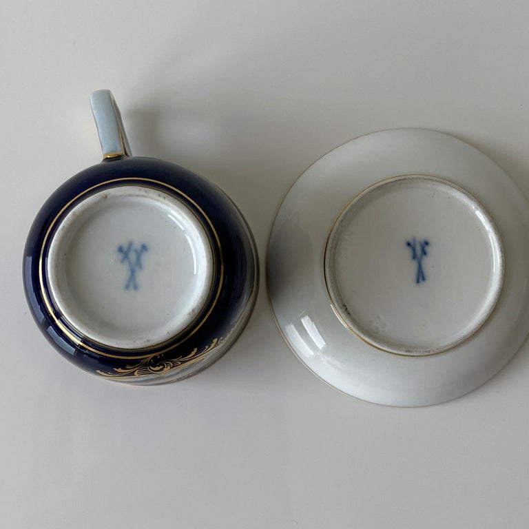 Mid-19th Century Meissen Cobalt Blue with Scene Painting Coffee Cup Saucer In Excellent Condition For Sale In Remshalden-Grunbach, DE