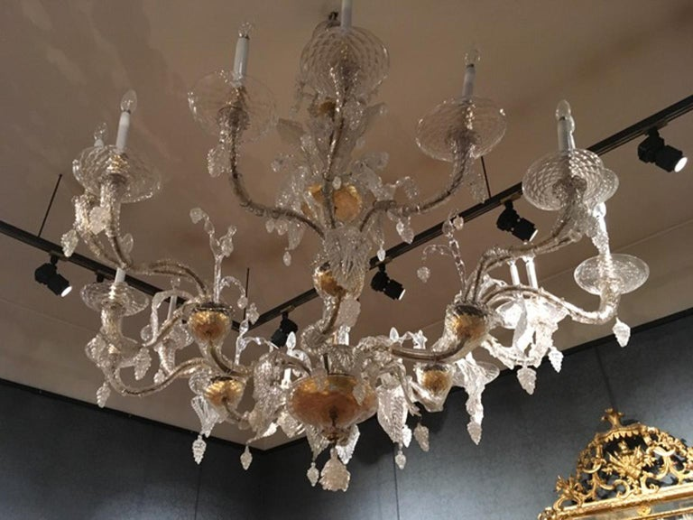Hand-Crafted Mid-19th Century Murano Venice Chandelier Blown Clear and Gold Glass 12 Lights For Sale