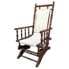 Mid-19th Century Rocking Chair in Solid Walnut