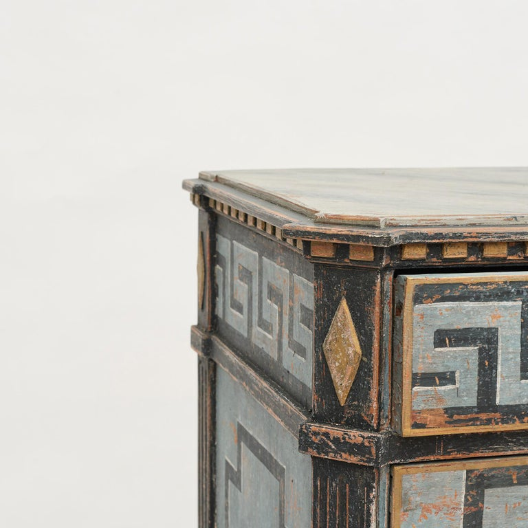Mid-19th Century Swedish Chest of drawers Gustavian Style Painted in Blue Shades 3