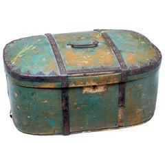 Mid-19th Century Swedish Painted Pine Shaped Box