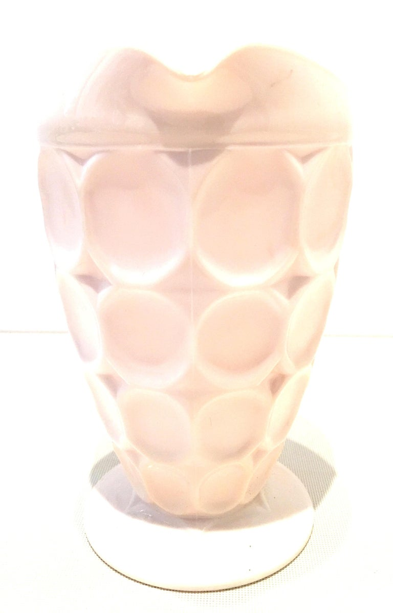 Mid-20th Century American Pink Milk Glass Set of Two Serving Pieces For Sale 2