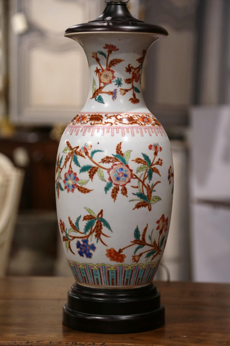 Hand-Painted Mid-20th Century Chinese Porcelain Famille Rose Vase Converted into Table Lamp For Sale